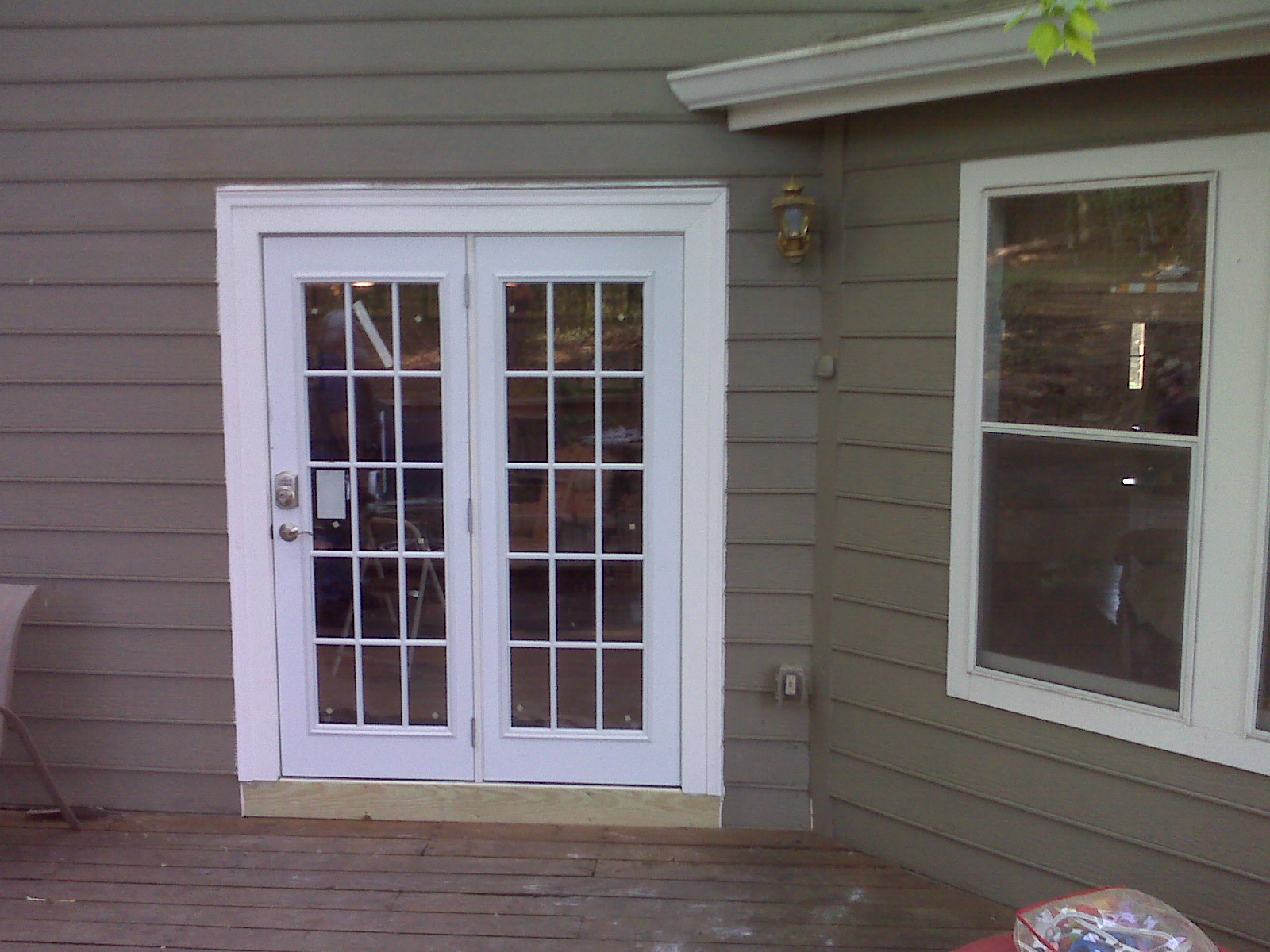 Exterior french patio doors the image for Exterior double doors lowes